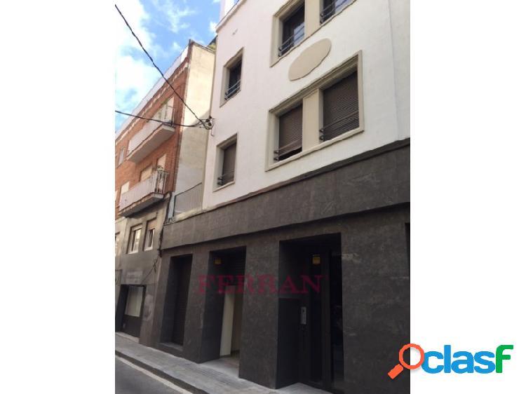 Local/oficina en calle san eusebio, barcelona.
