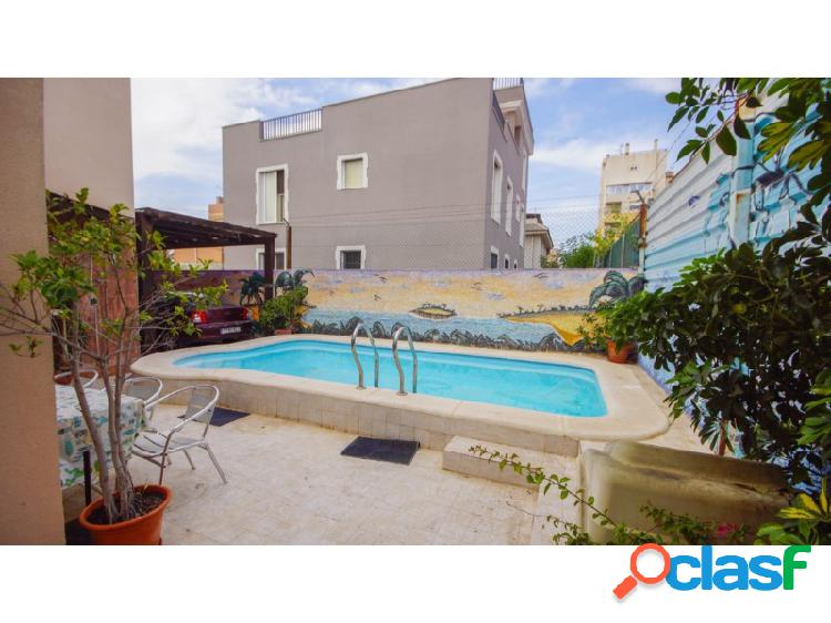 Maravillosa villa en torrevieja - 10 minutos a pie del centro de torrevieja - piscina privada