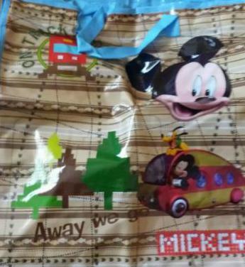 Bolsa plastificada de Mickey para niños