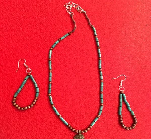 Conjunto collar y pendientes a juego artesanos verde/marrón