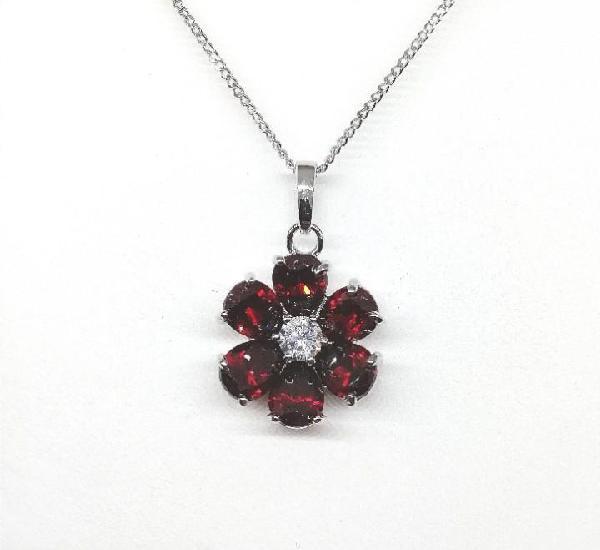 Colgante plata flor rojo rubí.