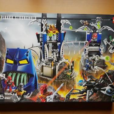 Lego bionicle 8894 piraka stronghold