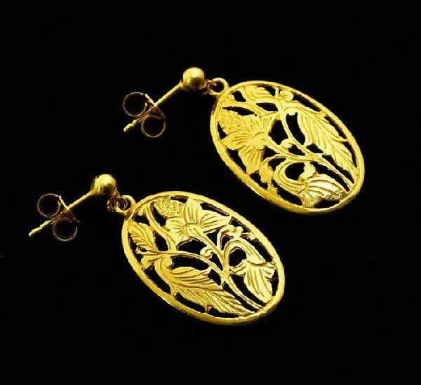 Pendientes de oro amarillo de 18 quilates. peso: 5.18 gr.
