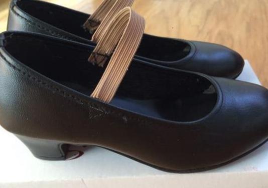 Zapatos flamenco número 27