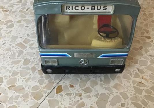Juguete antiguo autobús