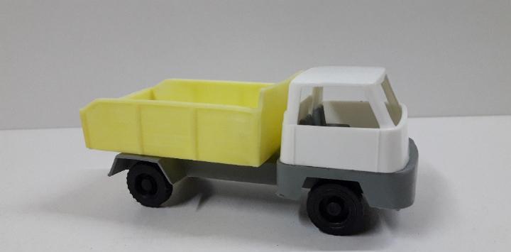 Camion de carga. juguete kiosko años 70. medida de largo 13