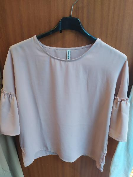 Camiseta rosa stradivarius