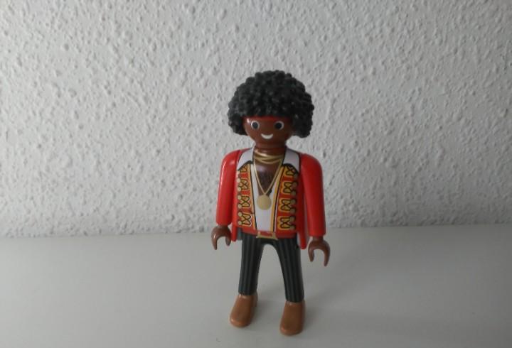 Chico negro pelo rizado pirata músico figura de playmobil