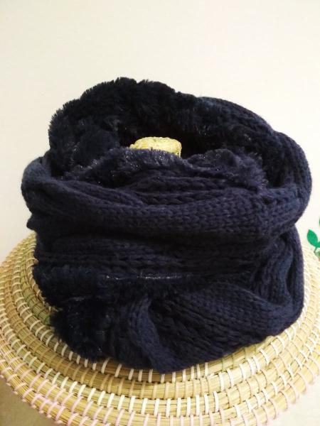 Cuello bufanda. lana y pelo.