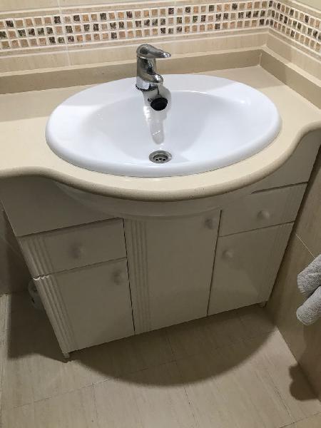 Lavabo marca roca y mueble(80cm)