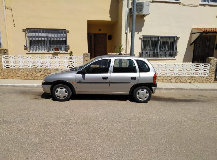 Opel corsa. coche de segunda mano precio a conveni