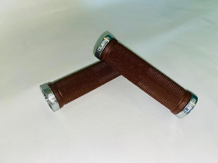 Par puños clarks con brida 130mm. marrón/gris.
