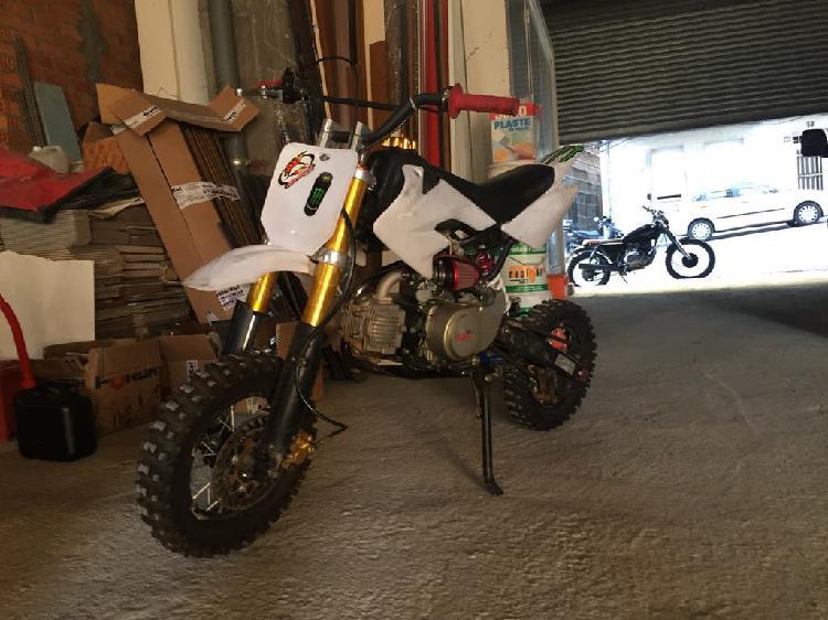 Pit bike 125 perfecta para empezar