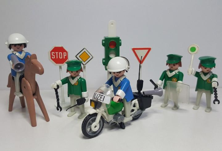Policia antidisturbios playmobil 3494 antiguo agente trafico