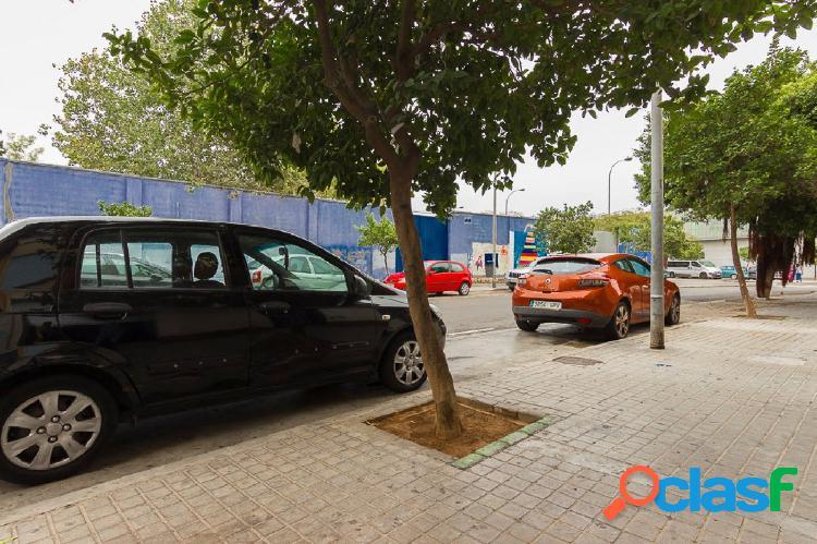 Local comercial junto centro de salud y polideportivo 1