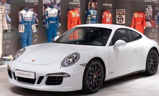 Porsche 911 carrera 4 gts coupe 2p.