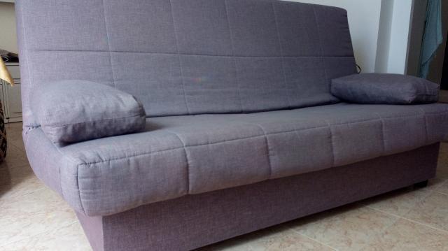 Sofá cama doble, cómodo y nuevo.