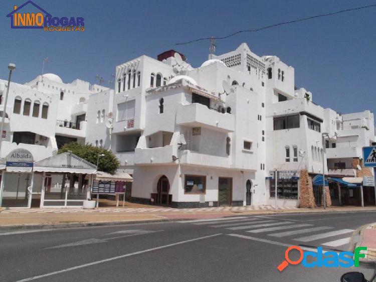 Acogedor y luminoso piso,reformado..2 dor,terraza,piscina en segunda linea de playa.!!!