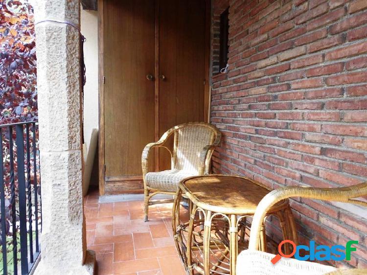 Casa adosada en la Urbanización Golf Costa Brava, situada cerca del Hotel. 2