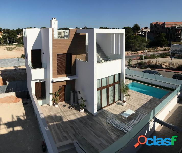 Chalet moderno en torrevieja con vista al mar y a la laguna!