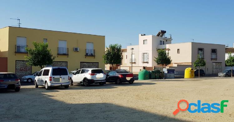 Local comercial en buena zona de olivares con gran oportunidad de negocio