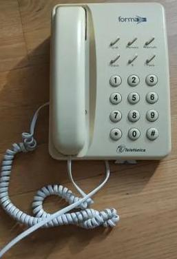 Teléfono fijo forma i, funciona