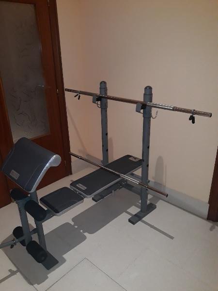 Banco de pesas y barras