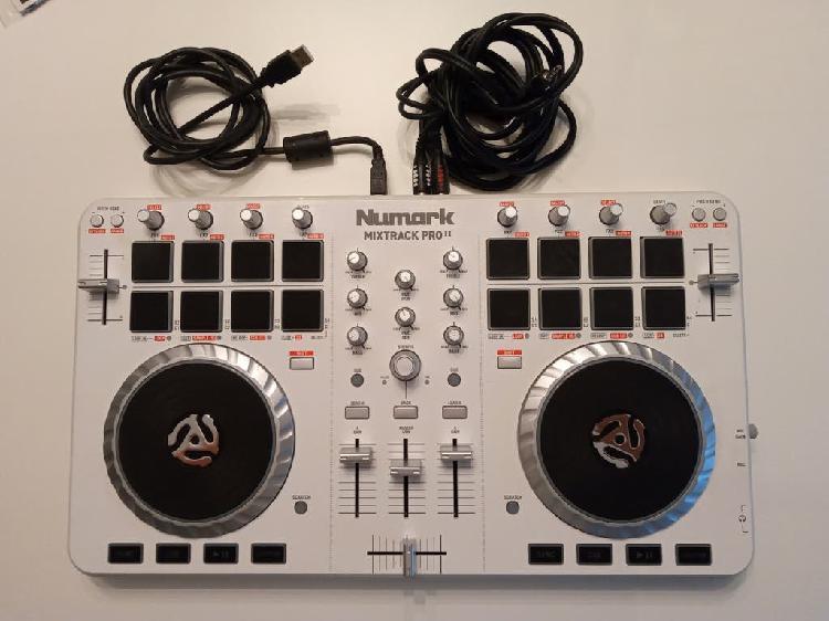 Tabla de mezclas numark mixtrack pro ii