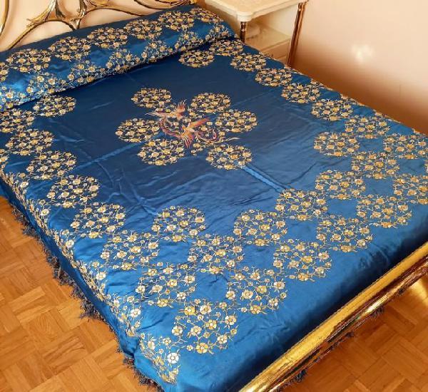 Antigua colcha con flecos bordada a mano estilo mantón de