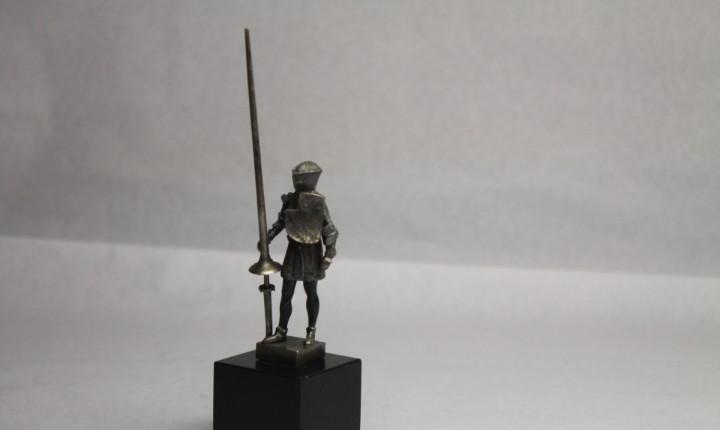 Caballero con lanza de combate, patrimonio nacional, real