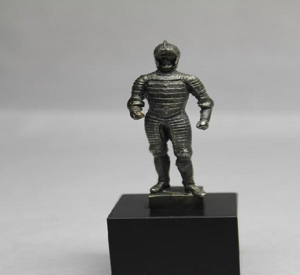 Carlos v con armadura, plata maziza, patrimonio nacional,