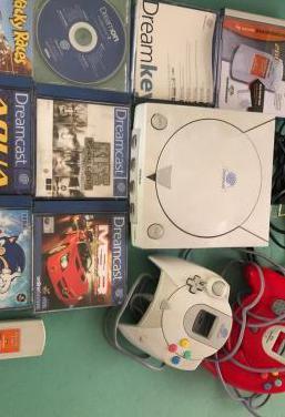 Consola dreamcast con juegos, mandos y memory card