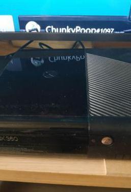 Xbox 360, 2 mandos, kinect y 20 juegos