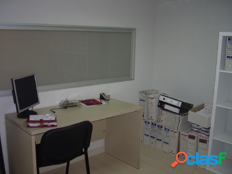 Oficina VENTA en Castellón, zona Plaza la Paz, 110m de superficie, 3 zonas de trabajo. 1