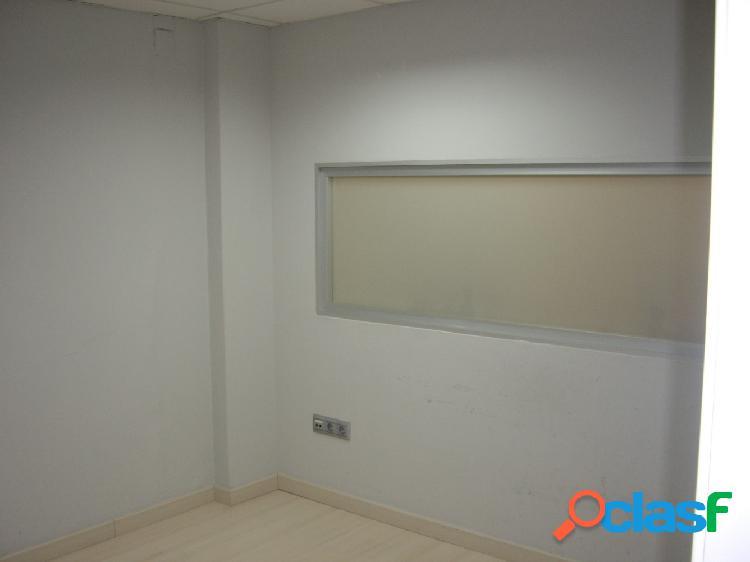 Oficina VENTA en Castellón, zona Plaza la Paz, 110m de superficie, 3 zonas de trabajo. 2