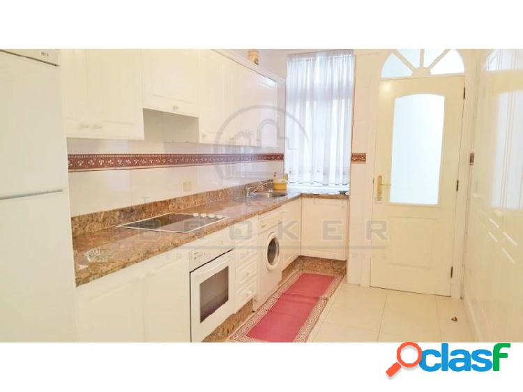 Fantástica vivienda con garaje en zona bien comunicada con vistas al mar y Teide. 1