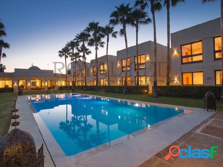 Magnífica mansión moderna de 16 dormitorios en la zona más privilegiada de sotogrande costa