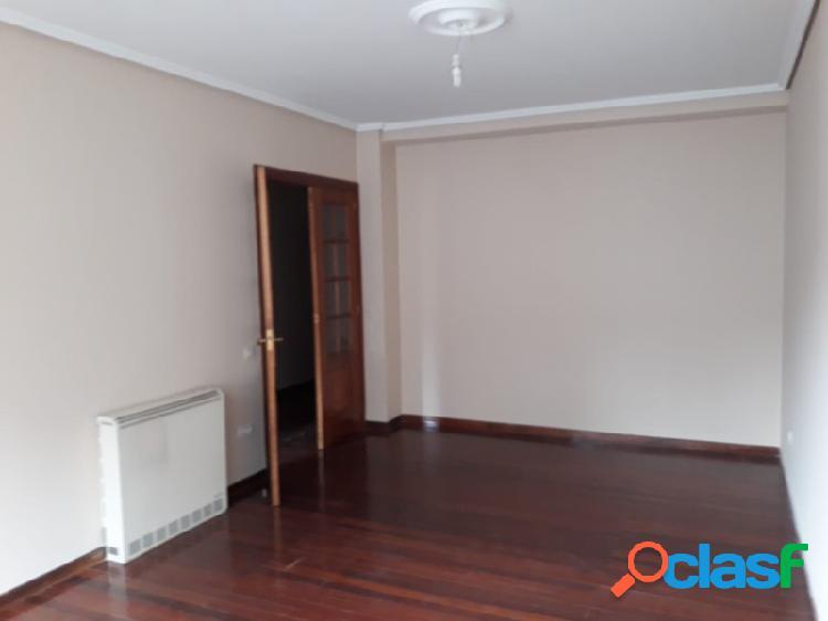 Se vende piso en calle Hernán Cortés. Ferrol 3