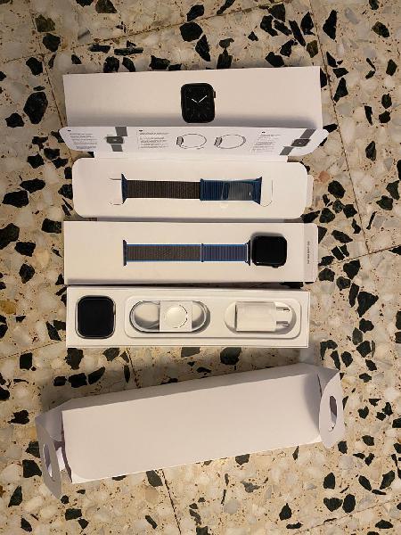 Apple watch 5 de 44mm comprado el 24/06/20