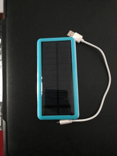 Cargador solar para móviles. marca powerbank
