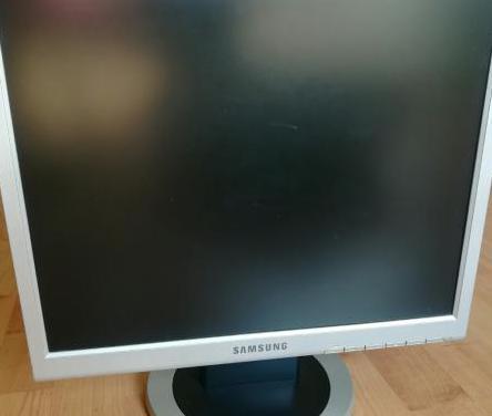 Monitor samsung lcd 13''x10''