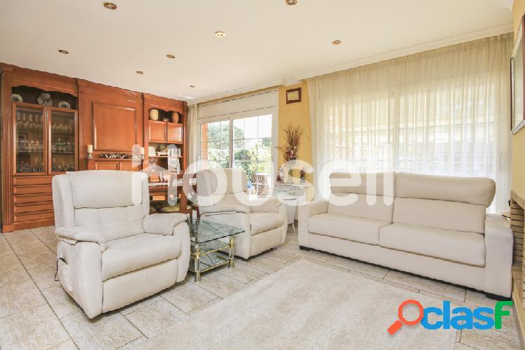 Chalet en venta de 284m² en Calle Ripoll, 08394 Sant Vicenç de Montalt (Barcelona) 2