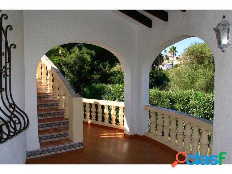 Villa de 3 habitaciones en Dénia, Montgo 2