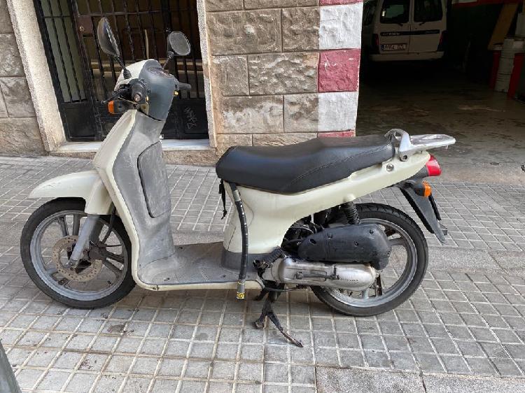 Honda scoopy 50cc cambio de nombre incluido!!