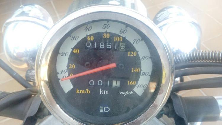 Motocicleta tipo custon