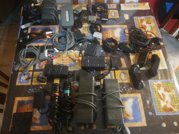 Lote de accesorios y cables de consolas