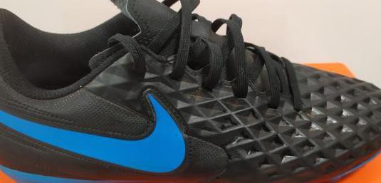 2 pares botas futbol de tacos