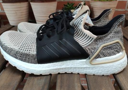 Adidas ultraboost 19 (44 2/3)
