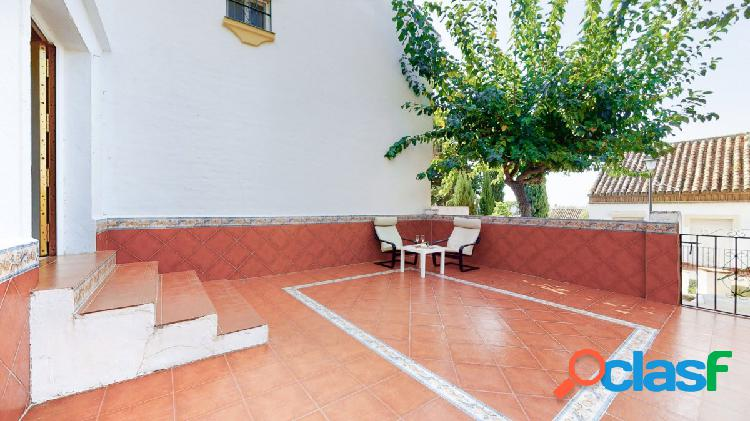 Adosado de 5 dormitorios en venta en famoso urbanización Olimar, Mijas Costa 3