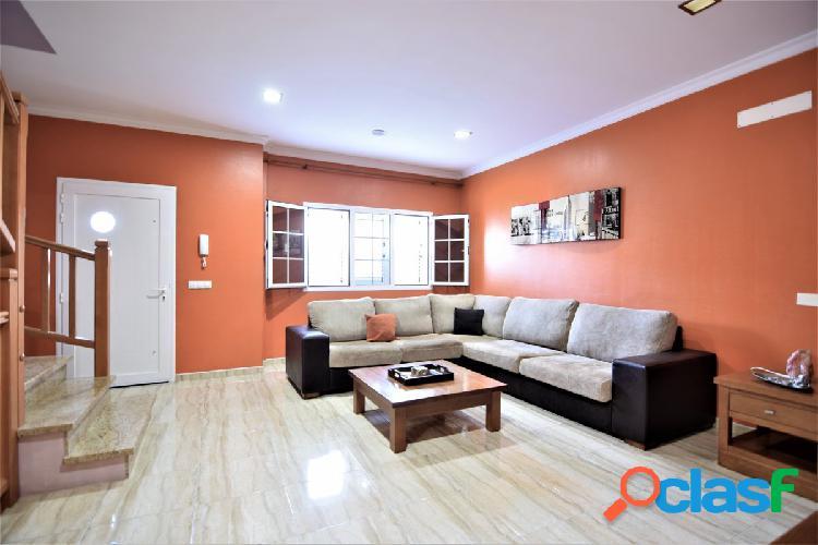 ¡¡ OPORTUNIDAD!! Se vende preciosa casa de tres plantas tipo dúplex alta calidad y magnifico precio. 1